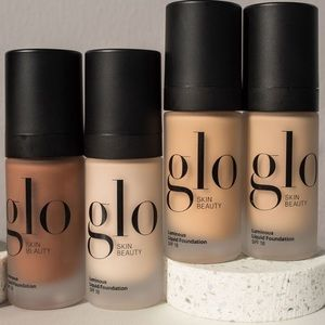 NWT Glo skin beauty luminous liquid foundation